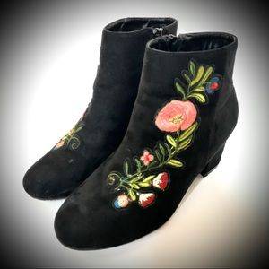 BAMBOO Ankle Boots Embroidered Black Floral Size 9